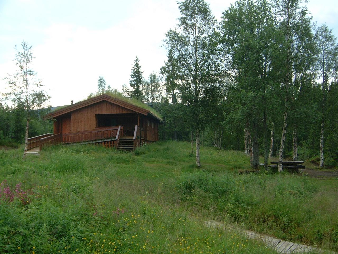 Lustadstua, Steinkjer Kommuneskoger, Innherred, hytteutleie, fiske, båt, vandring.
