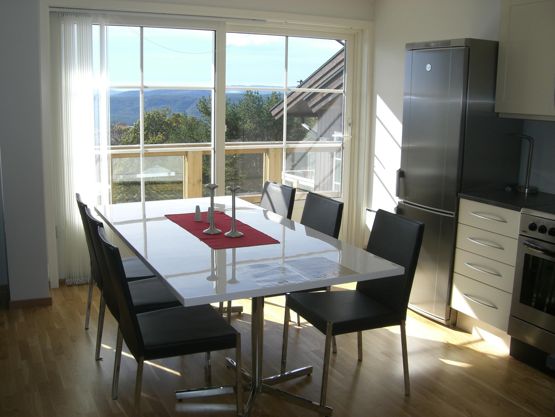Eksempel på spisestue i en leilighet på Lifjell Sol. Overnatting i flotte leiligheter på Lifjell i Bø, midt i Telemark. , © Bø Hotell
