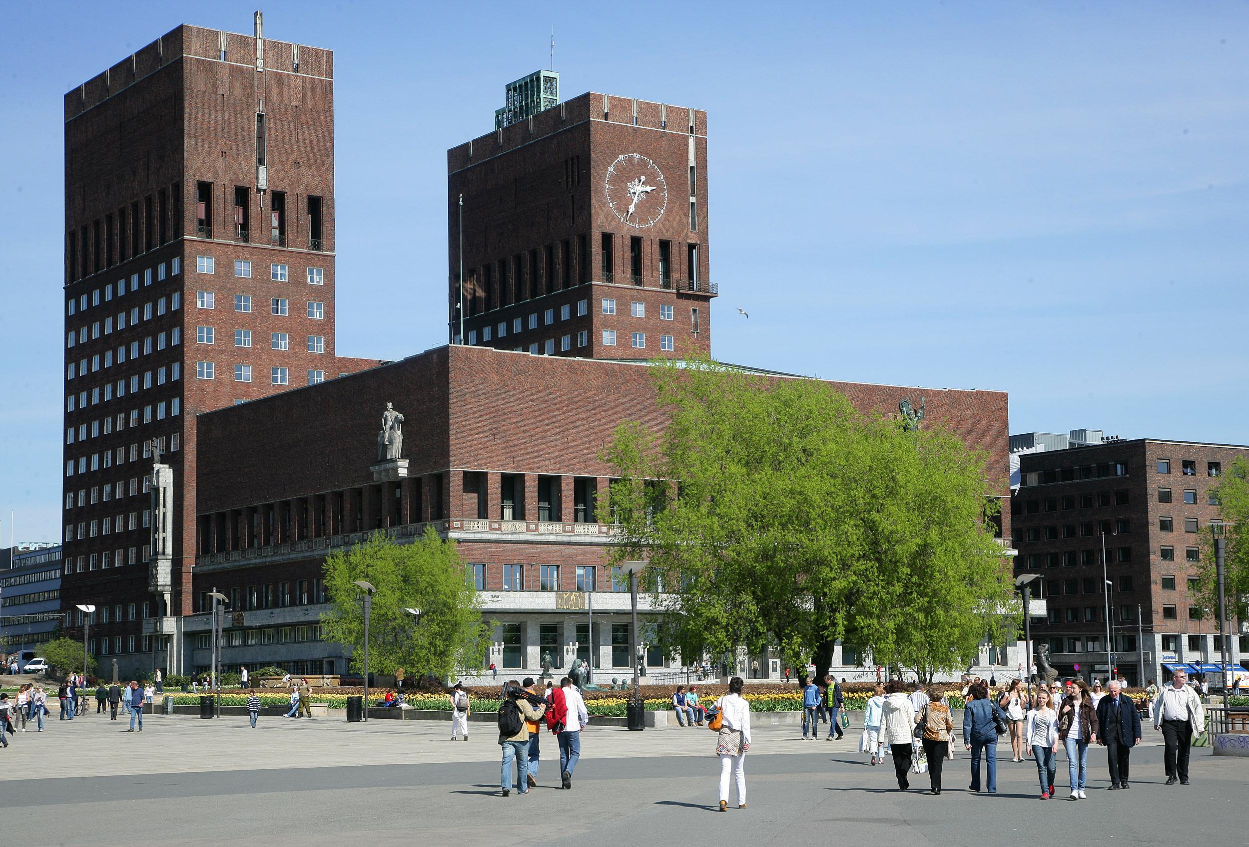 """Résultat de recherche d'images pour """"oslo city hall"""""""