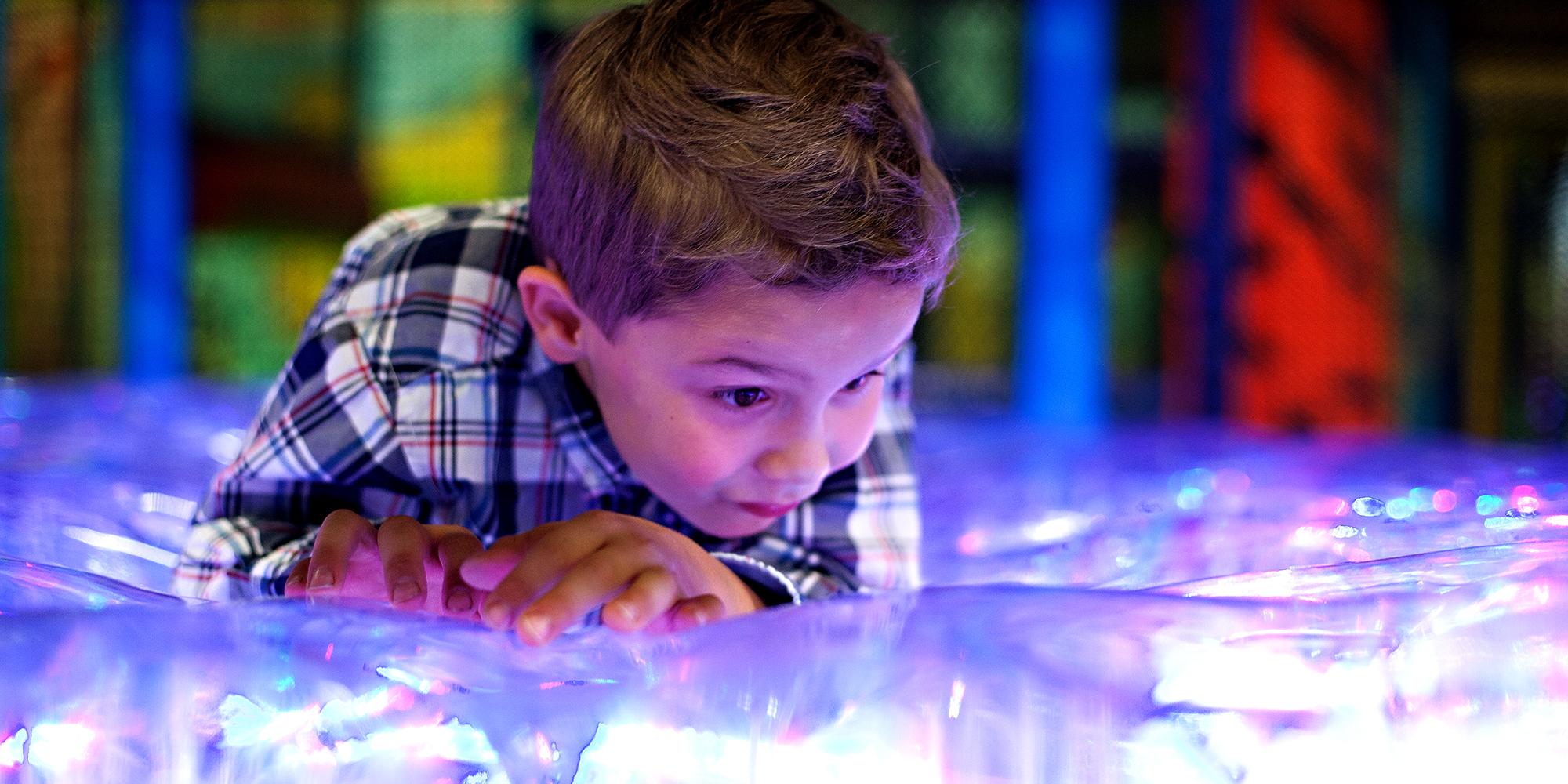 Lykkeland - barn i lek. Copyright: Lykkeland