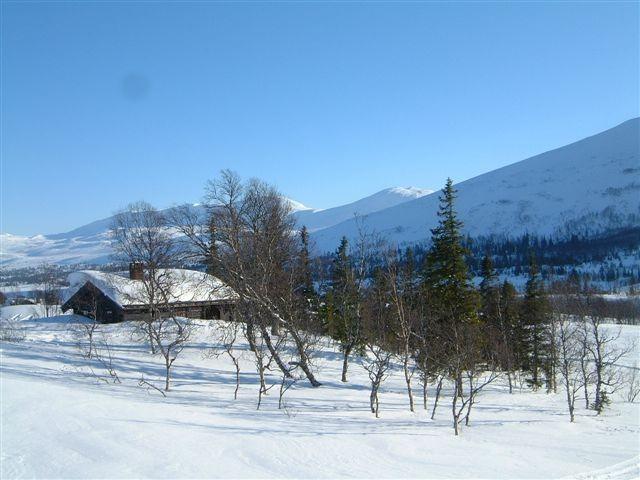 Skjekerosstua på vinterstid. Copyright: Steinkjer Kommuneskoger