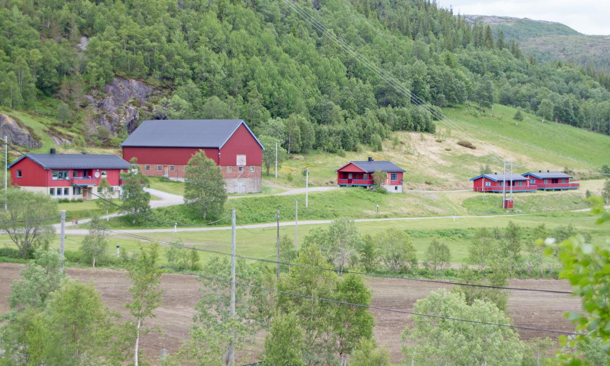 Lonin Gård og Camping. Copyright: Petter Bueng