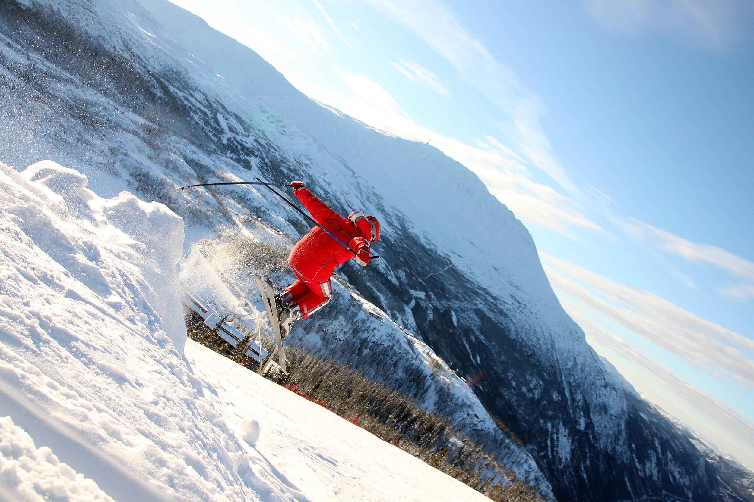 Gaustablikk Skisenter har 32 nedfarter. Fra mange av dem, har du fantastisk utsikt mot Gaustatoppen.  , © Kjell-Gunnar Dahle