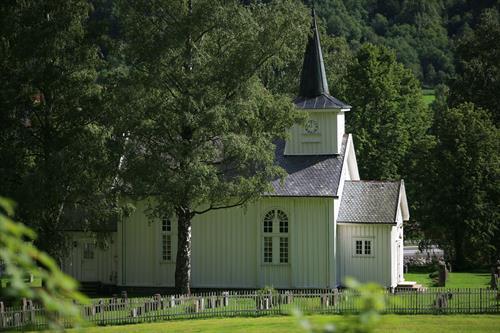 Mæl kirke er en langkirke i tre fra 1839. Kirken er tegnet av Hans Ditlev Frank Linstow. , © Fleger