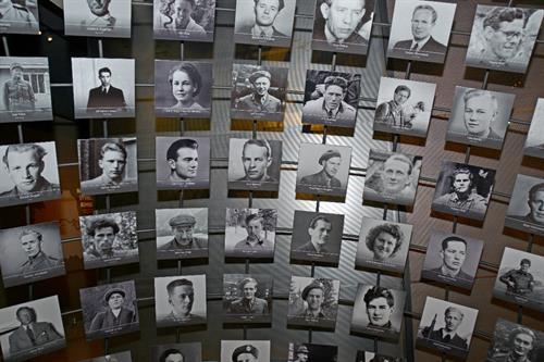 I heltegalleriet blir mange av personene fra operasjon Gunnerside trukket frem. , © VisitRjukan