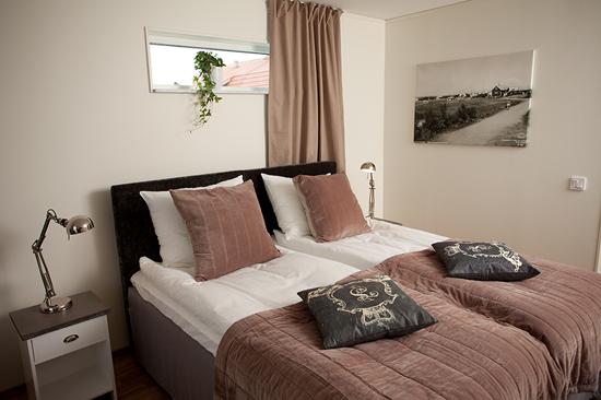 Rummen på Hotell Strandpensionatet i Skummeslövsstrand är designade av ägarinnan.
