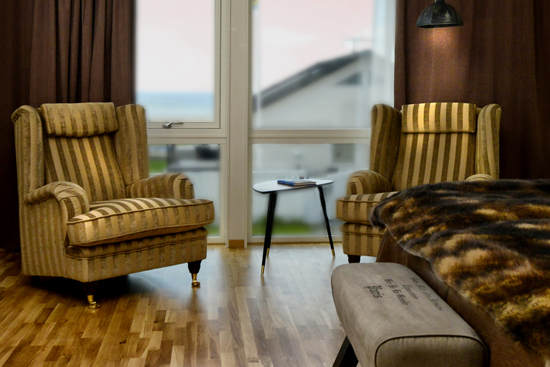 Rummen på Strandpensionatet har en personlig inredning och andas harmoni och trivsel