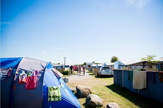 Tälta i solsken på Läjets Camping