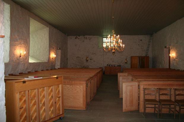 Dolm kirke.