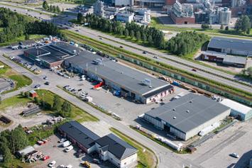 Flygbild över butiken i Piteå