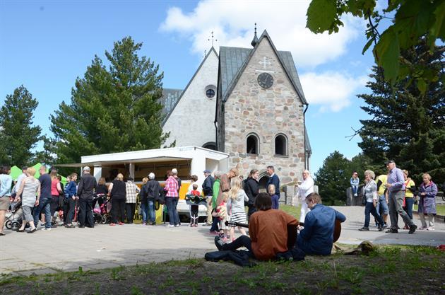 Öjeby kyrkmarknad och kyrka