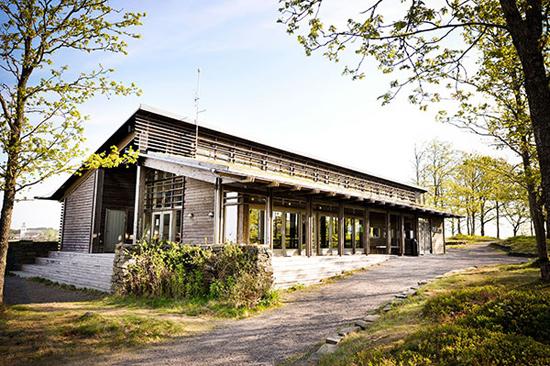 naturum Fjärås Bräcka är en bra startpunkt för att upptäcka området på Fjärås Bräcka