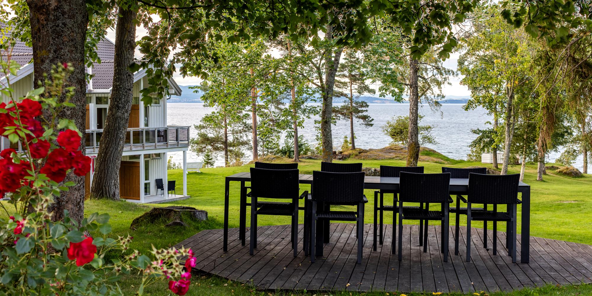 Jægtvolden Fjordhotell - in the garden. Copyright: Jægtvolden Fjordhotell