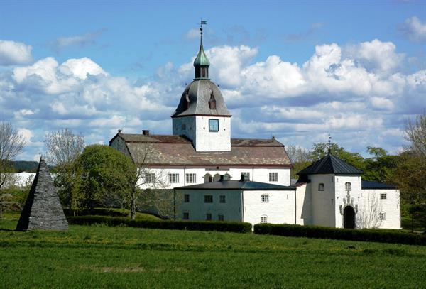 Austråttborgen - historie gjennom 1000 år