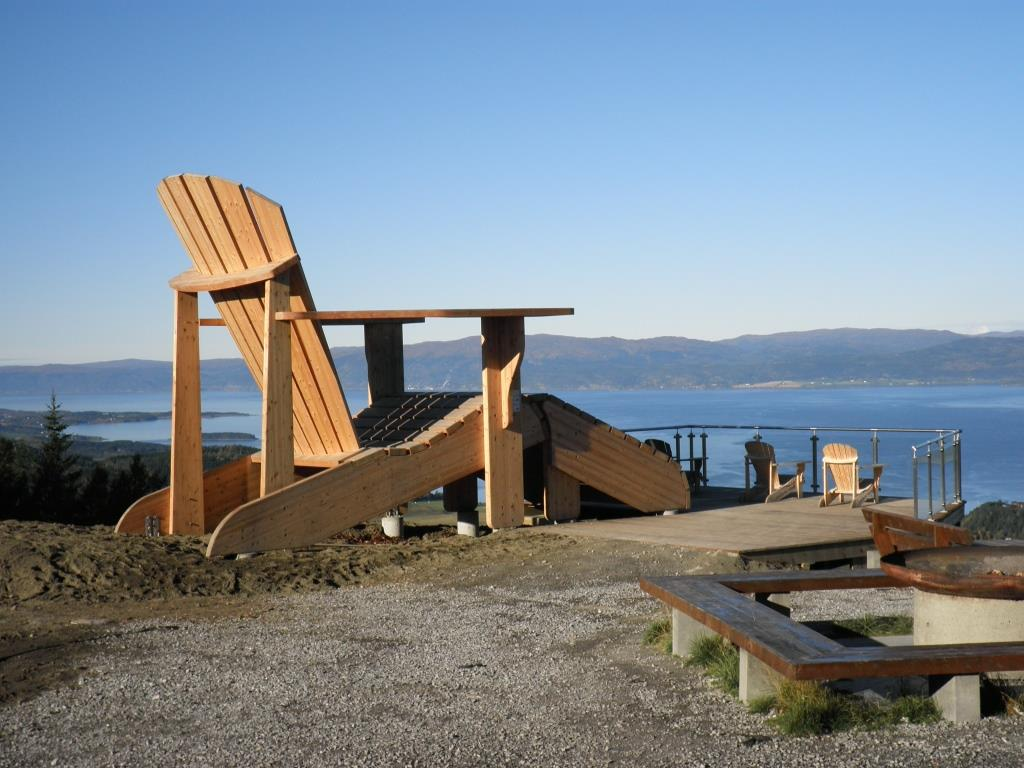 Hiking route: Oftenåsen with the worlds largest garden chair