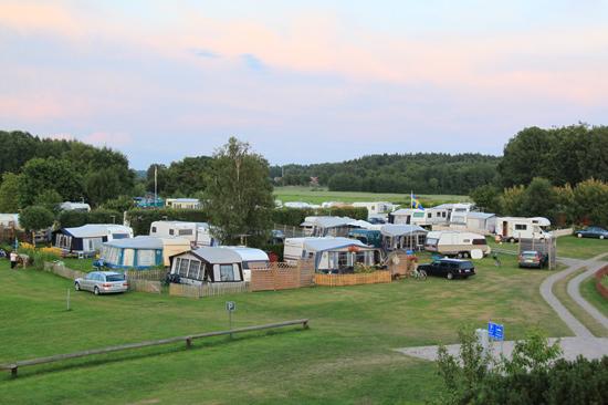 Rörviks Camping har ett 60-tal campingplatser, varav många är säsongsboende.