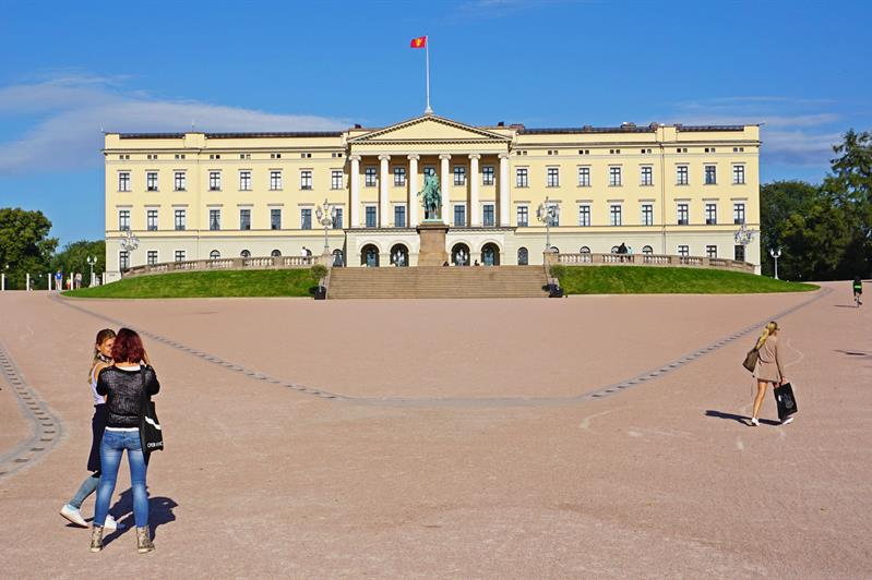 Guided tour of the Royal Palace
