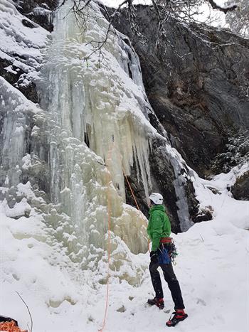 Ice climbing course with Gygra