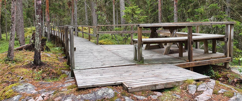 Fåröns Friluftsområde tillgänglighetsanpassad rastplats