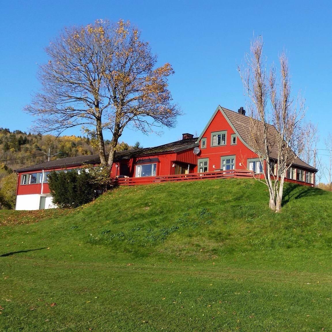 Kafe i vakre omgivelser på Jarseng, © Jarseng Sportsstue