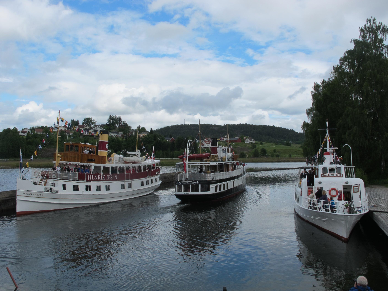De 3 kanalbåtene møtes daglig ved Lunde sluse, © Telemark Kanalcamping
