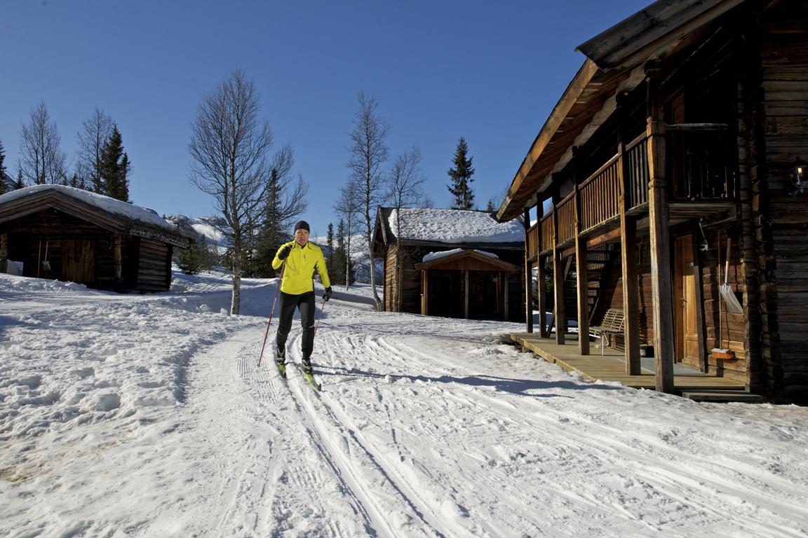 Flotte langrennsløyper finner du rett på utsiden av døren på hyttene til Kvitåvatn Fjellstoge , © Yngve Ask