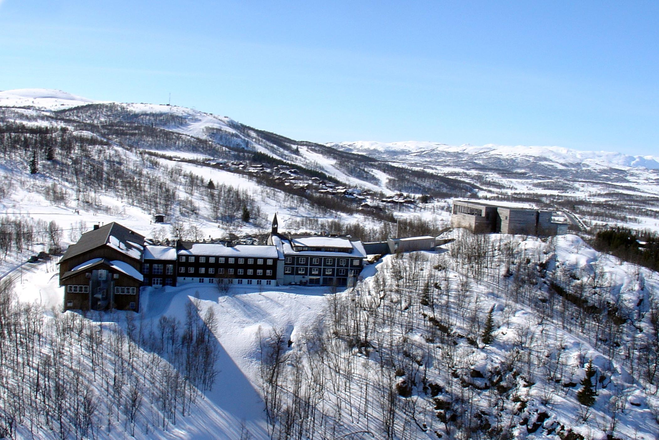 Skinnarbu Høyfjellshotell ligger på Møsvatn, mellom Rjukan og Rauland , © Skinnarbu Høyfjellshotell