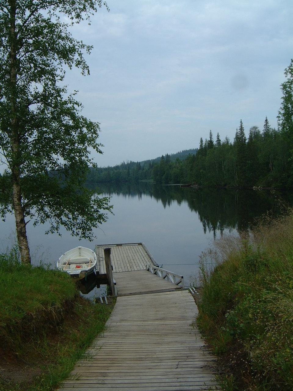 Lustadvatnet, Steinkjer Kommuneskoger, Innherred, hytteutleie, fiske, båt.