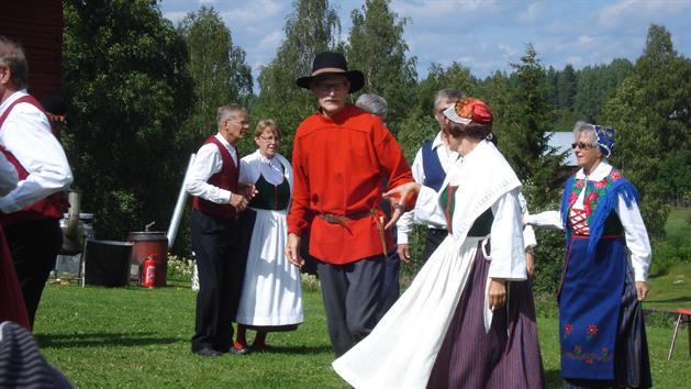 Folkdans på Swensbylijda