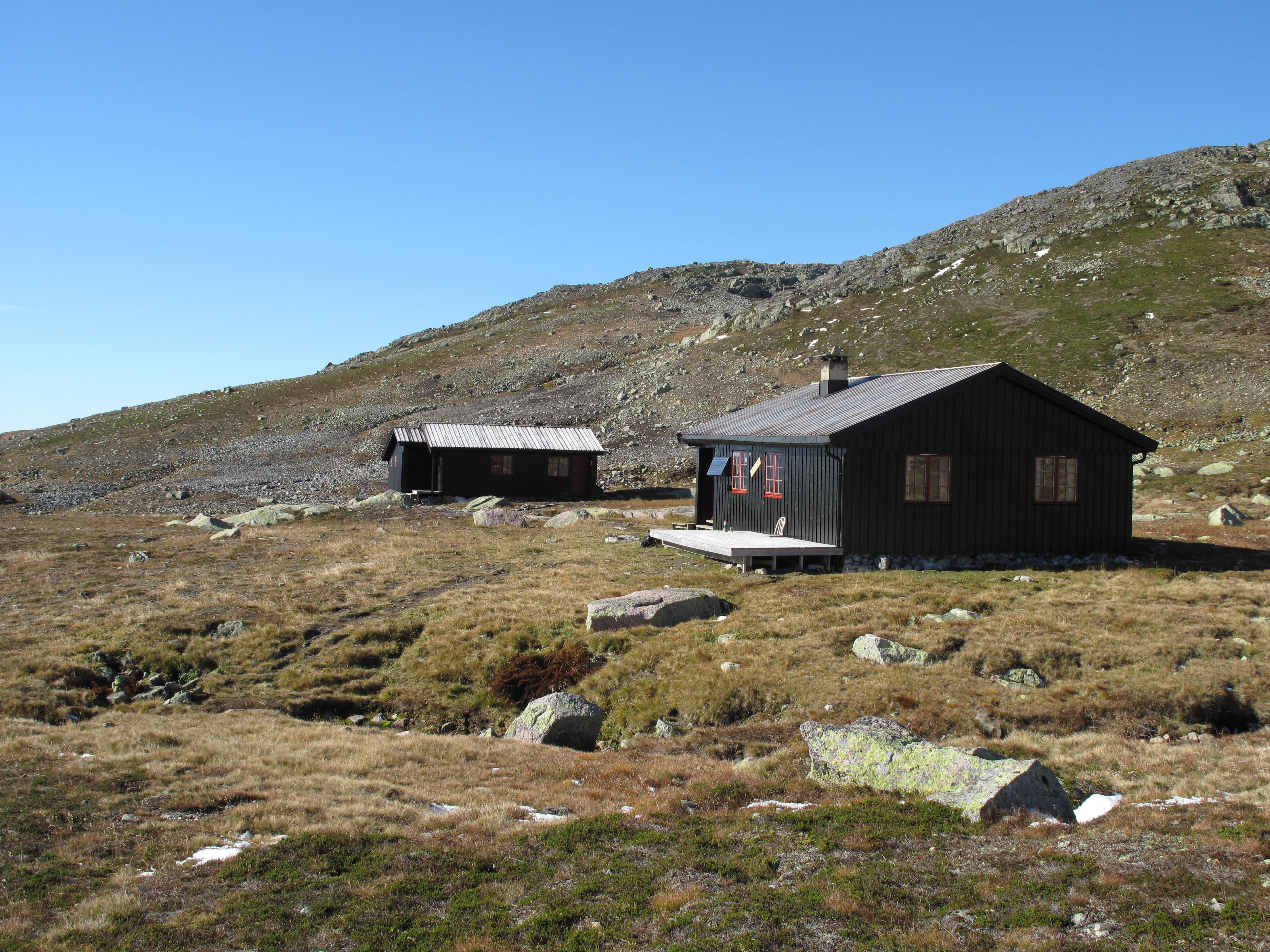 Tjørnbrotsbu 1340 m. o. h
