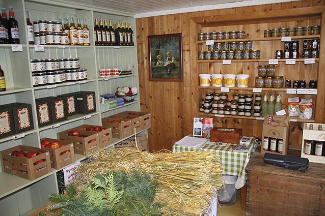 Julestemning i gårdsbutikken, © Halvor Holtskog