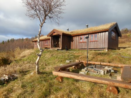Lågvassbu utvendig. Copyright: Steinkjer Kommuneskoger