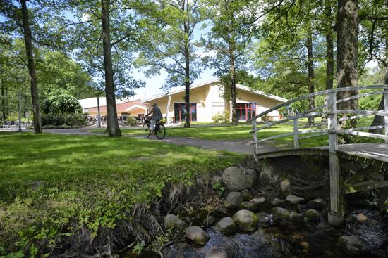 Gullbrannagården, strax söder om Halmstad, är en konferensanläggning med stor flexibilitet i en kreativ miljö.