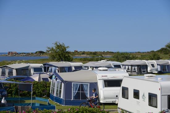 På Hansagårds Camping, söder om Falkenberg, finns 350 campingtomter för uthyrning.