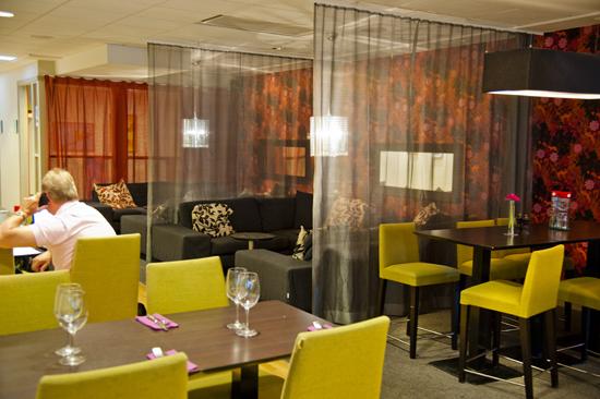 Njut av god mat och härliga drinkar på Restaurang Svea på Scandic Hotel Hallandia i Halmstad