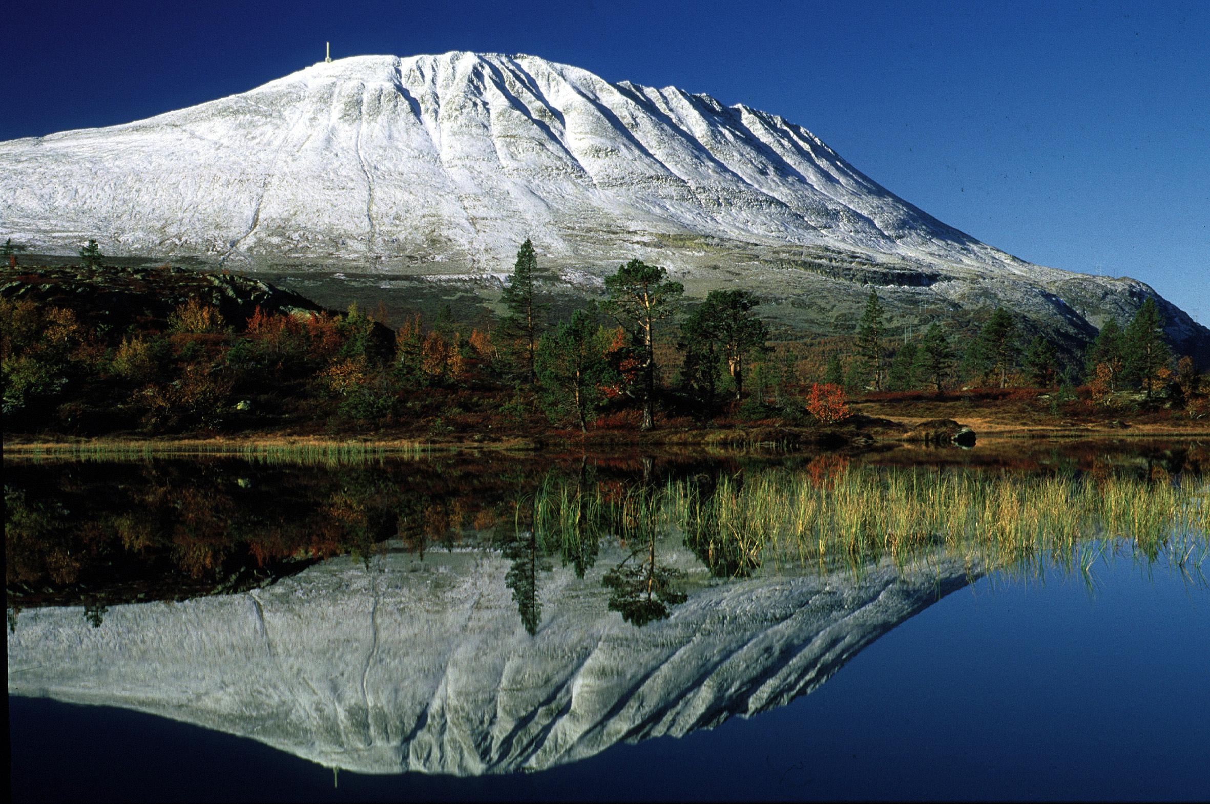 Fra Gaustatoppen kan du se 1/6 av Norge!, © Ove Bergersen