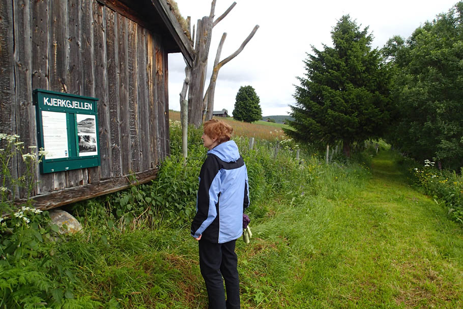Vandring langs kultursti i Vingelen Nasjonalparklandsby