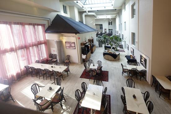 Frukostmatsalen på First Hotel Mårtenson