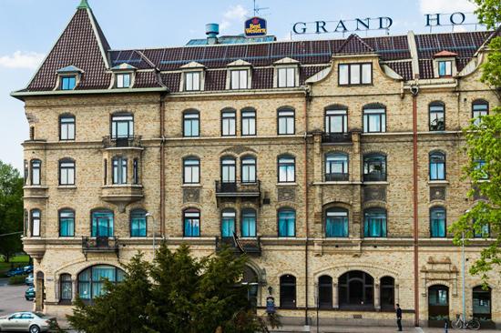 BEST WESTERN PLUS Grand Hotel exteriört, sett från Halmstad Centralstation