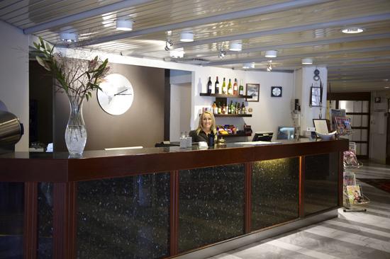 Receptionen på Hotel Mårtenson