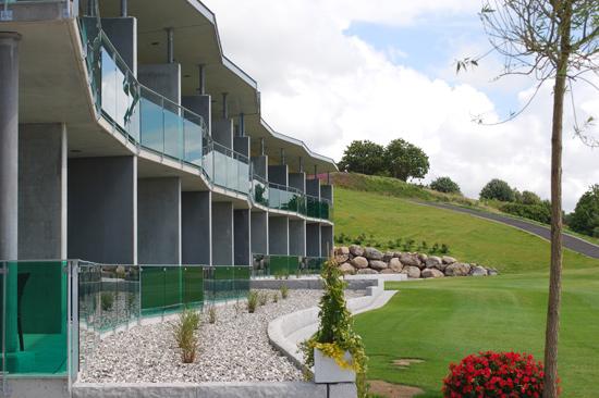 Ringenäs Golfhotell har 24 rum med havsutsikt.
