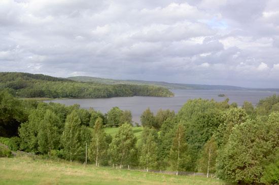 Från Fjärås Bräcka har du en bra utsikt över Hallands största insjö Lygnern