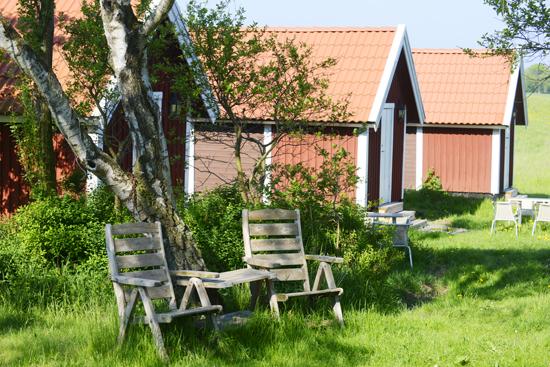 Gits Gård erbjuder sju stugor med hotellstandard, charmigt utplacerade i trädgården