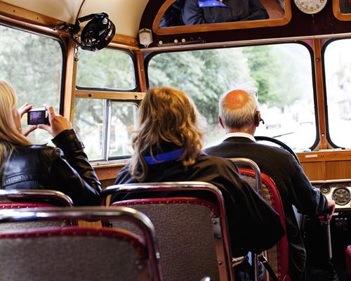 Snutebussen takes you on a guided tour around in the town centre of Rjukan.  , © Fotograf Jacobsen