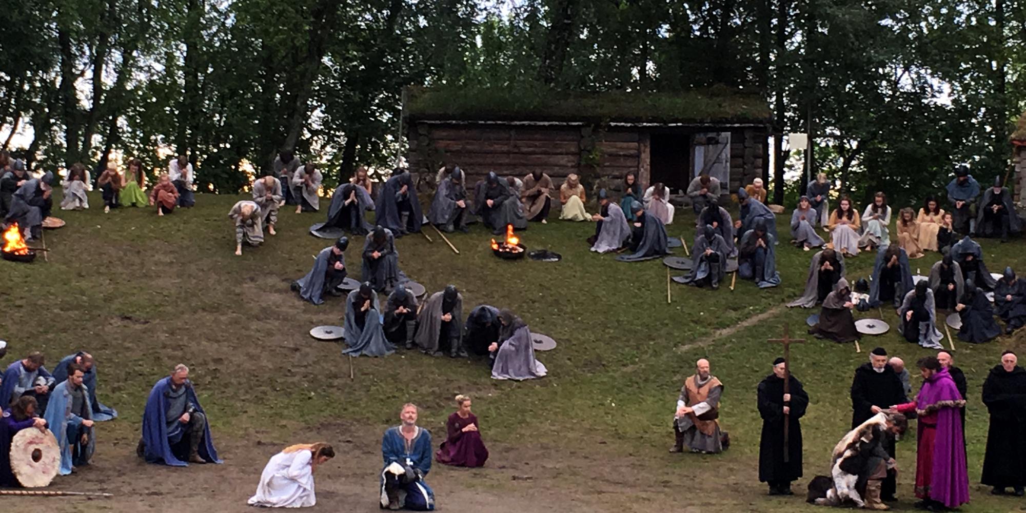 Scene fra Spelet om Heilag Olav 2016, som spilles 4 ganger hvert år under Olsokfestivalen på Stiklestad. Copyright: Visit Innnherred