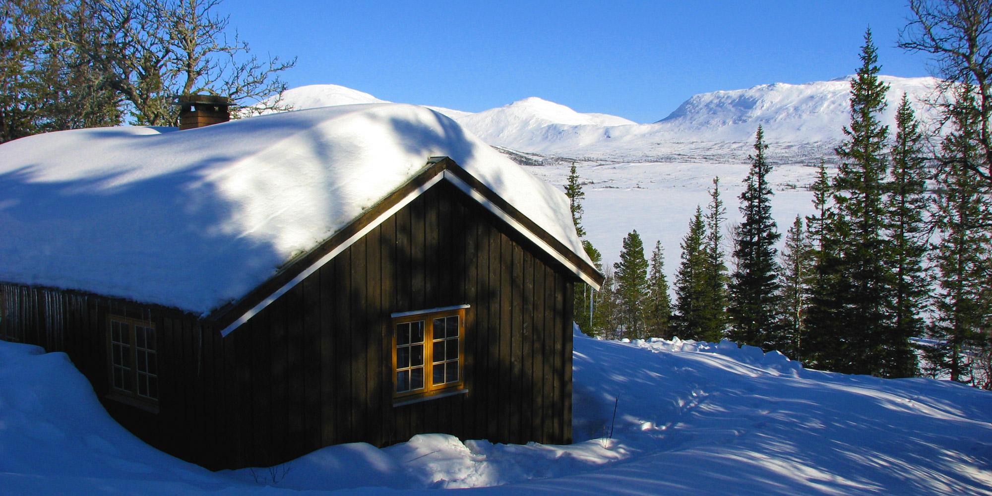 Skjækerhytta Cabin in winter. Copyright: Steinkjer Kommuneskoger - Ogndalsbruket KF