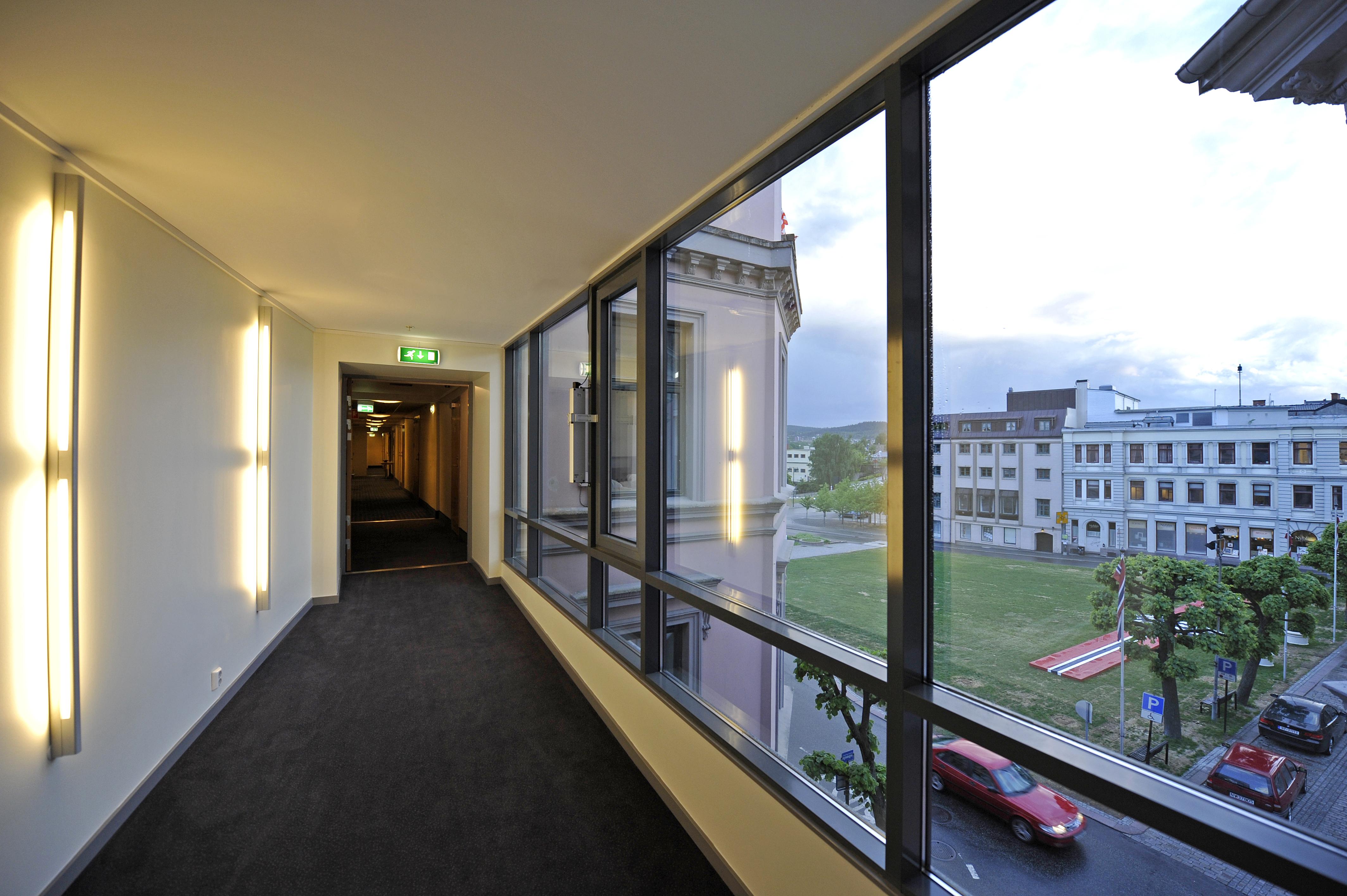 Utsikt over rådhusplassen i Skien , © Thon Høyers Hotel