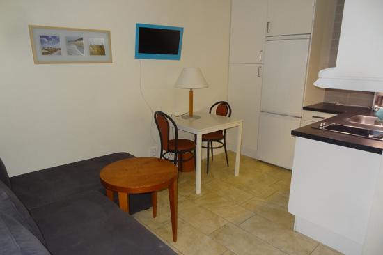 Alla lägenheter i Sommargården på Östra Stranden i Halmstad har egen toalett/dusch och pentry.