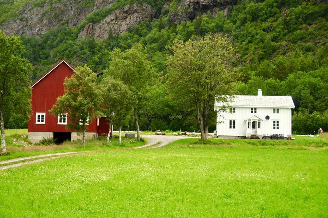 Dun Feriehus, småbruket på øya Jøa