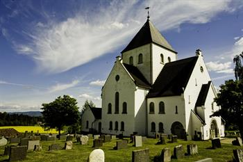 Ås kirke - foto Oda Hveem